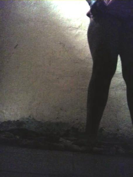 صور حصرية مع العاهرة بدرة في بيت دعارة
