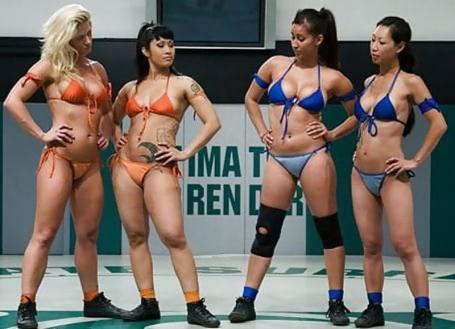 نجمات المصارعة أجسامهن الجذابة